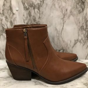 Circus by Sam Edelman brown leather boots size 9